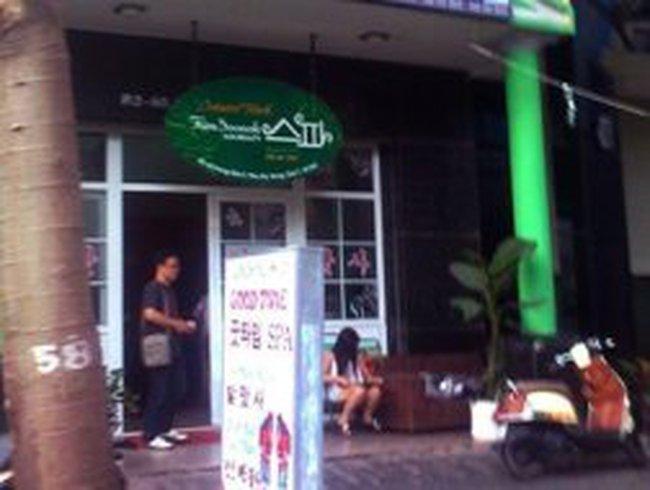 Kỳ lạ phố có hơn 50 'quốc gia' giữa Sài Gòn