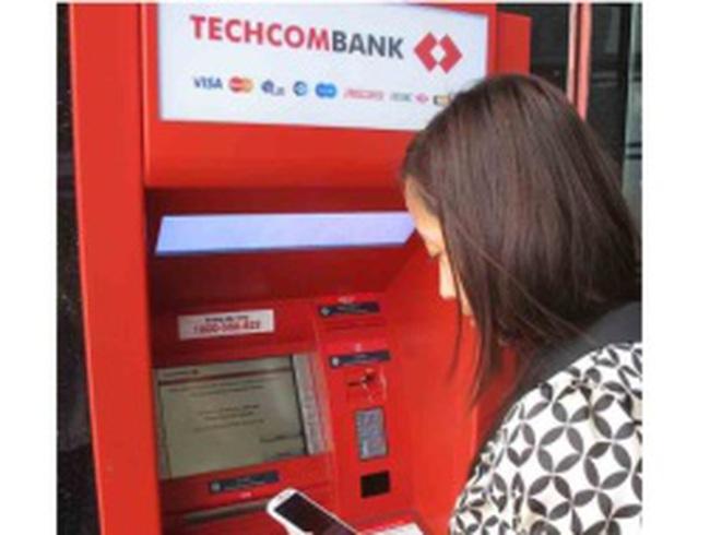 Techcombank: Chuyển & Nhận tiền với thuê bao di động cùng F@st Banking
