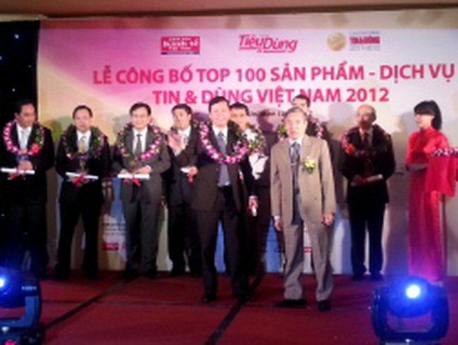 TienPhong Bank nhận Giải Tin & Dùng 2012 cho dịch vụ Ngân hàng điện tử