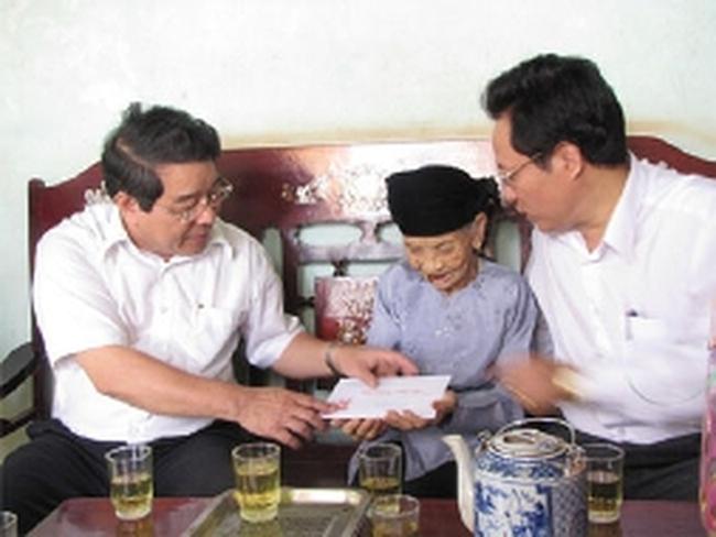 Chủ tịch tỉnh Bình Phước nộp đơn xin thôi chức