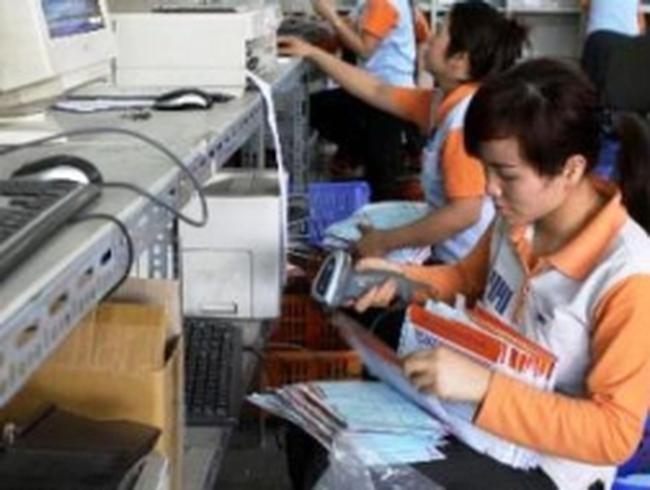"""VietnamPost """"về tay"""" Bộ Thông tin và Truyền thông"""
