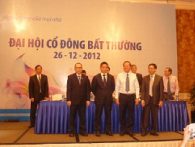 [Trực tiếp] Nóng ĐHCĐ bất thường ngân hàng ACB năm 2012