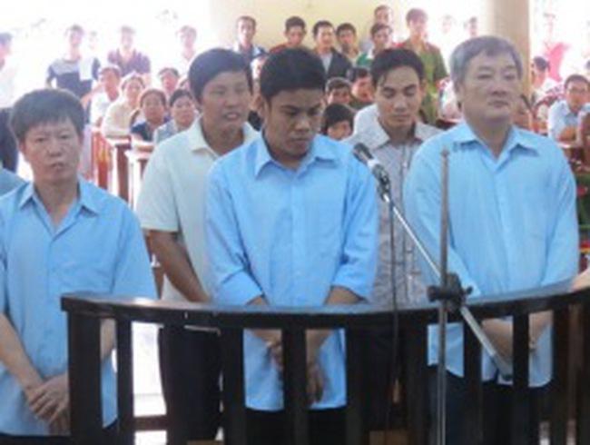 Phạt tù 7 lãnh đạo và nhân viên ngân hàng