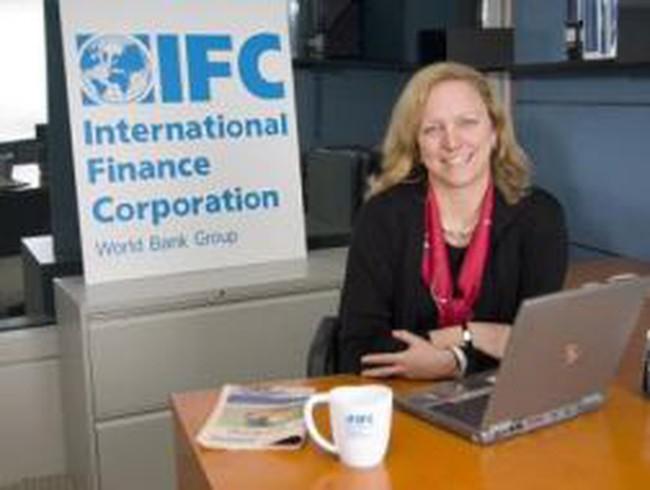 """Phó chủ tịch IFC: """"Quan trọng là không chỉ xử lý nợ xấu bằng sổ sách"""""""
