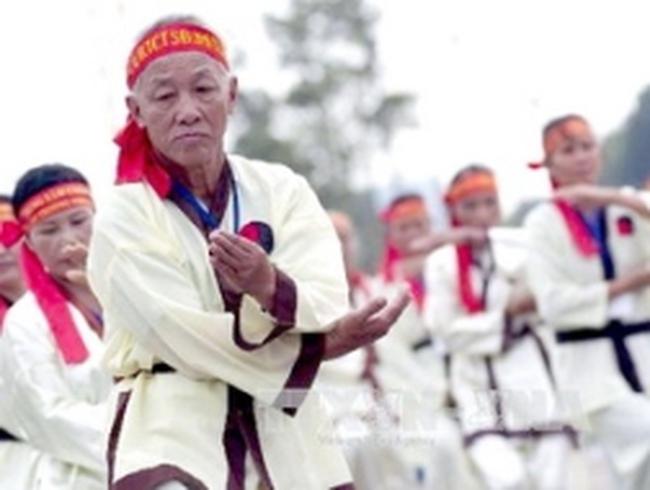 Việt Nam đã bắt đầu bước vào thời kỳ già hóa dân số