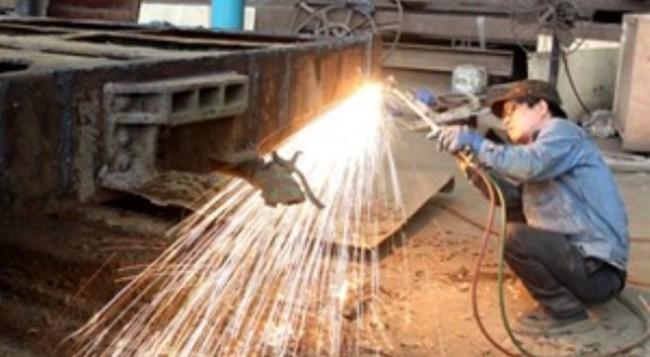 CPI cuối năm tăng thấp, lo sản xuất sẽ tiếp tục đình trệ