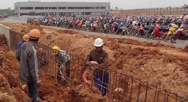 Vụ xô xát tại Samsung Thái Nguyên: Bơ vơ những công nhân công trường