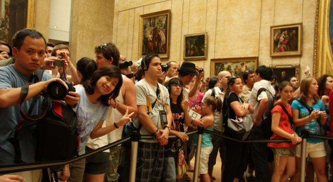 Du lịch nước ngoài gặp khó vì khách trốn