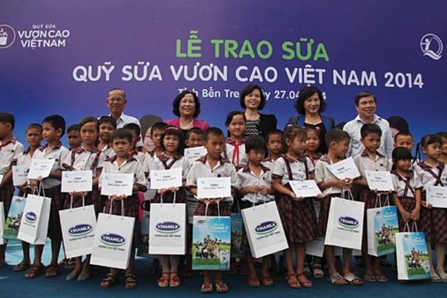 Quỹ sữa Vươn cao Việt Nam đã tặng 307.000 trẻ em gần 22 triệu ly sữa