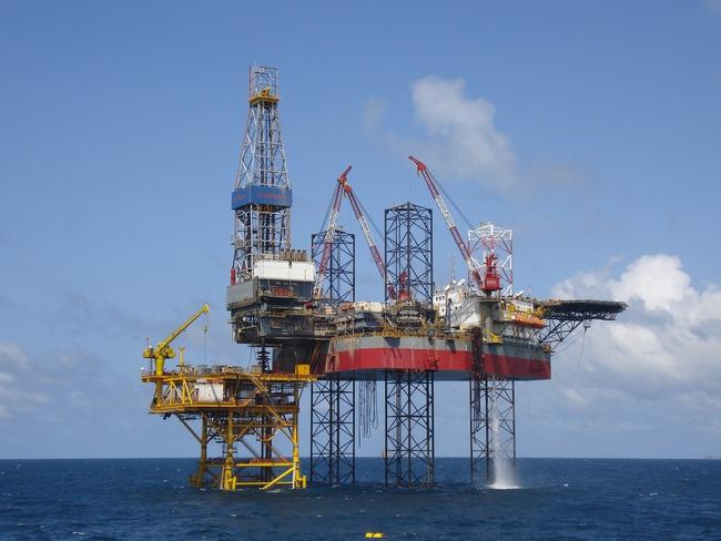 """Cổ phiếu dầu khí – """"Sao đổi ngôi"""""""