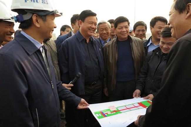 Bộ trưởng Thăng kiểm tra 4 công trình lớn trước ngày đưa vào khai thác