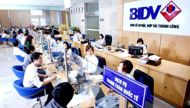 Chị ruột của UV. HĐQT BIDV giao dịch cổ phiếu quên công bố thông tin