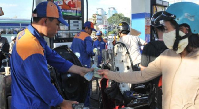 Cần bỏ lợi nhuận định mức trong xăng dầu