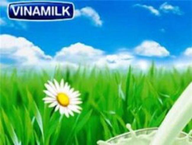Vinamilk lên tiếng bác bỏ tin SAI SỰ THẬT về sữa bị nhiễm độc
