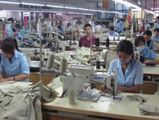 """Lao động dệt may: Vướng từ """"sợi chỉ"""" đầu tiên"""