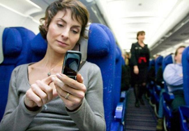 Chuyển vùng quốc tế trên máy bay cùng MobiFone