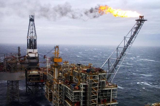 Giá dầu tăng do căng thẳng giữa Mỹ và Iran