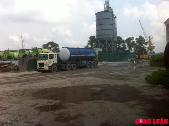 Hà Nội: Hàng loạt trạm bê tông không phép nằm trong cảng Khuyến Lương