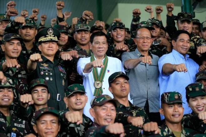 """Tổng thống Philippines: Ông Obama """"có thể chết đi được rồi"""""""
