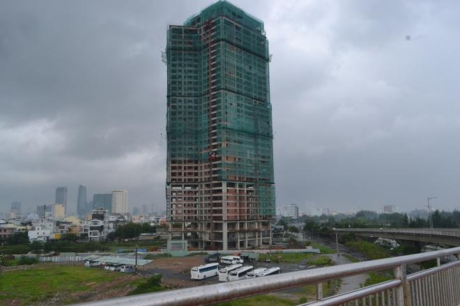 """Tòa tháp đôi lớn nhất miền Trung vẫn """"bất động"""" sau nhiều năm triển khai"""