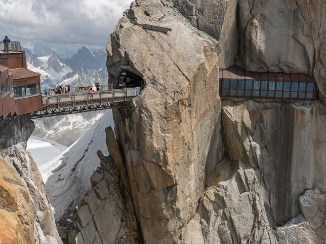 13 cây cầu vừa đi vừa run chân