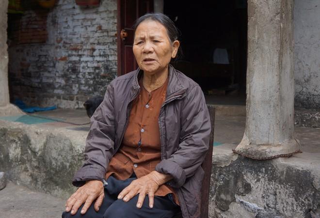 Vừa nhận tiền đền bù đất, dân bị cán bộ thu lại một nửa