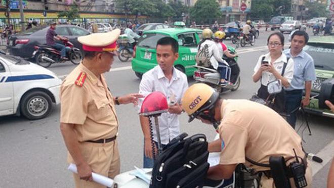 Xử phạt vi phạm giao thông không biên bản: Nhiều lo ngại tiêu cực