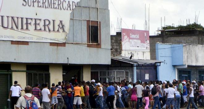 """""""Đọ"""" giá thực phẩm ở Venezuela và Mỹ"""