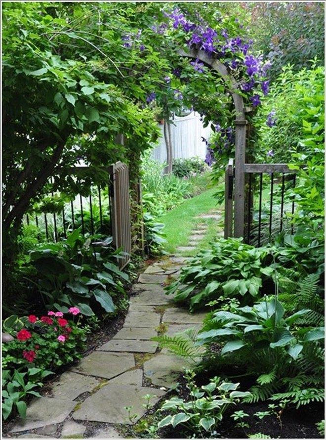 Sử dụng đá xanh làm đẹp cho sân vườn