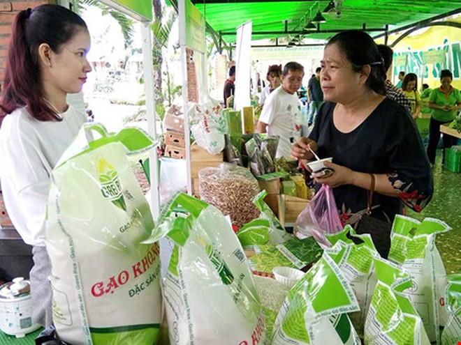 Nhiều lô hàng gạo Việt bị trả về: Khắc phục ra sao?