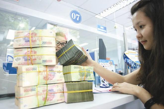 Doanh số giao dịch trên thị trường liên ngân hàng giảm mạnh