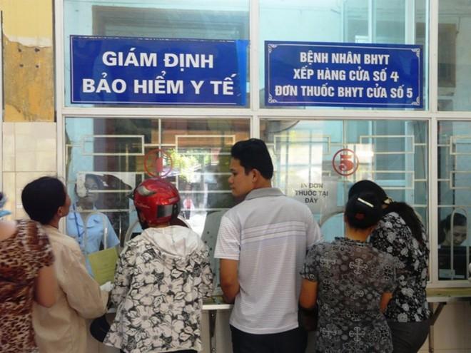 Sử dụng giấy chứng sinh thay BHYT - Hình thức trục lợi bảo hiểm mới