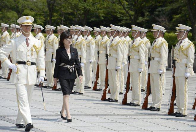 Bà Tomomi Inada - bóng hồng quyền lực ở Bộ Quốc phòng Nhật