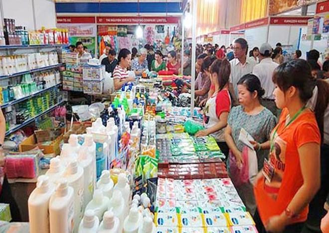 """""""Bão"""" hàng hóa từ ASEAN đổ bộ, nhiều doanh nghiệp Việt điêu đứng"""