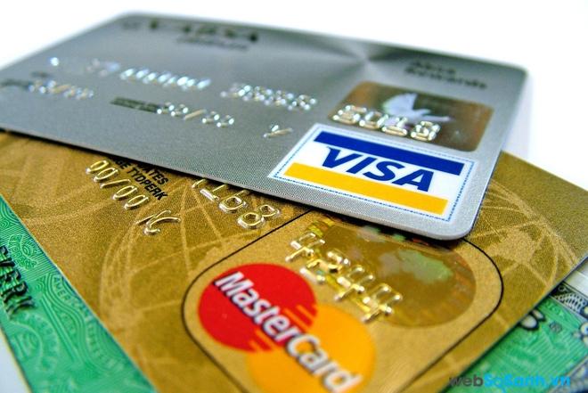 Với 5 tuyệt chiêu đơn giản này, bạn có thể yên tâm hơn khi dùng thẻ ATM
