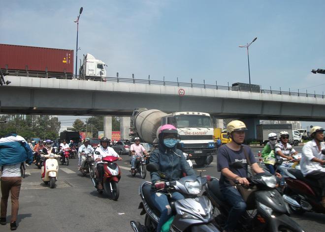 """Khu Đông Sài Gòn sẽ không còn là """"thiên đường"""" của người mua nhà?"""