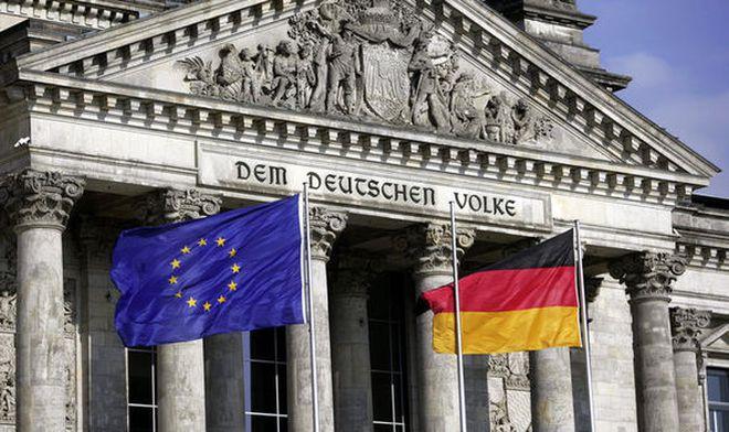 Tại một ngân hàng ở Đức, bạn sẽ bị thu phí nếu gửi tiền tiết kiệm quá 100.000 euro!