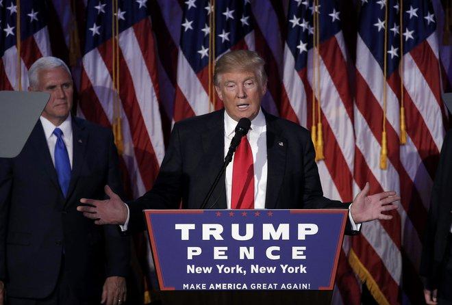 Phát biểu sau khi giành chiến thắng lịch sử, Donald Trump ca ngợi Hillary Clinton