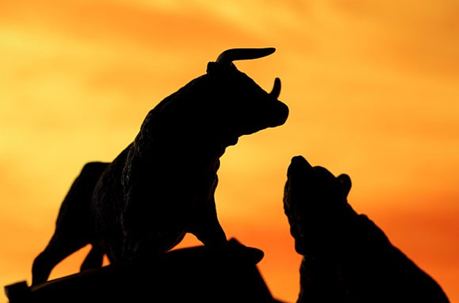 VNM, VIC, VCB nâng đỡ thị trường, VnIndex tăng gần 8 điểm