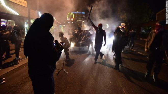 Bạo loạn tại Mỹ vì Trump