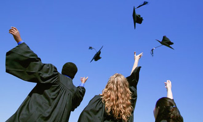3 Có nhất thiết phải có tấm bằng đại học? 1