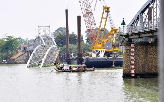 Đề xuất chi 2.000 tỷ đồng nâng cấp cầu đường sắt Bắc - Nam