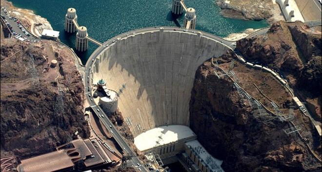 Điểm du lịch kỳ bí ở Mỹ - nơi nước chảy ngược từ dưới lên trên