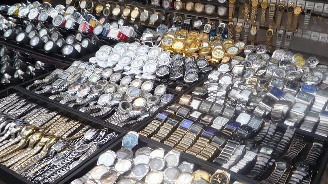 Nhiều chiêu trò lừa bán đồng hồ giả