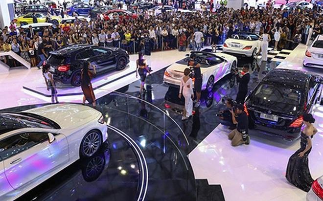 Nhập khẩu ôtô giảm ngay trước mùa tiêu dùng cuối năm