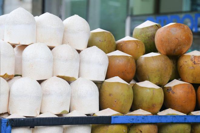 Vạch trần chiêu trò tẩy trắng dừa bằng hóa chất