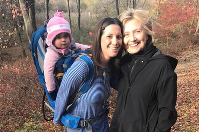 Tại sao bà Hillary Clinton thường xuyên đi bộ trong rừng?