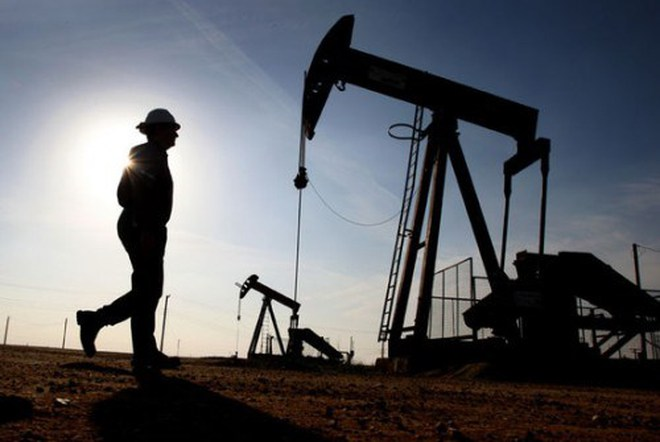 """Giá dầu """"nằm đáy"""" 3 tháng"""