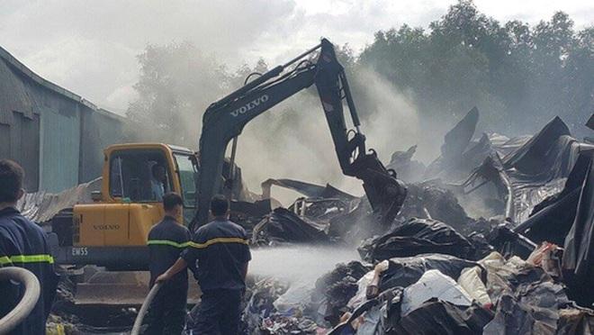 Cháy kho phế liệu, thiệt hại gần 2 tỉ đồng