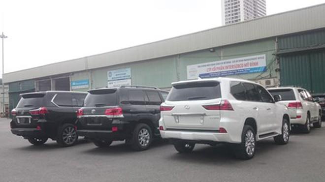 Bộ Tài chính yêu cầu truy thu, ấn định thuế xe biếu tặng khai giá thấp
